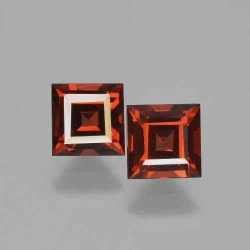0.8ct Square Facet Currant Red Pyrope Garnet Gem (ID: 449980)