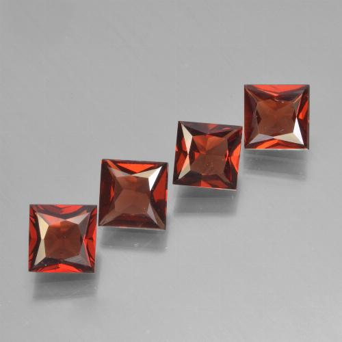 Red Pyrope Garnet Gem - 0.7ct Princess-Cut (ID: 450305)