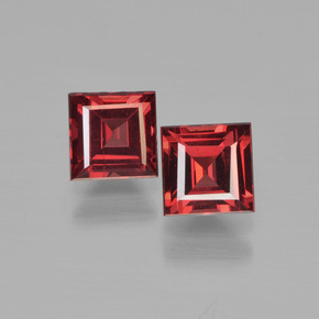 Deep Blood Red Pyrope Garnet Gem - 0.9ct Square Step-Cut (ID: 450959)