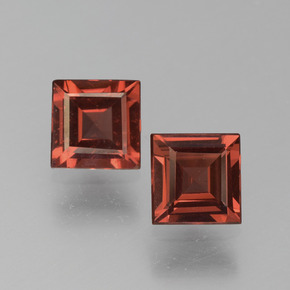 Red Pyrope Garnet Gem - 0.7ct Square Step-Cut (ID: 451024)
