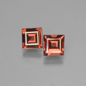 Red Pyrope Garnet Gem - 0.7ct Square Step-Cut (ID: 451085)