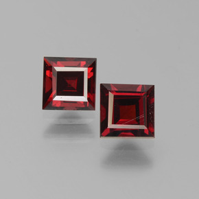 Deep Blood Red Pyrope Garnet Gem - 0.8ct Square Step-Cut (ID: 451233)
