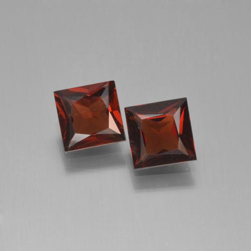 Dark Red Pyrope Garnet Gem - 0.7ct Princess-Cut (ID: 451245)