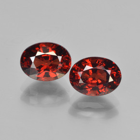Deep Blood Red Granate Piropo Gema - 1.9ct Forma ovalada (ID: 451738)