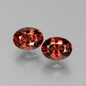 Red Pyrope Garnet Gem - 1.9ct Oval Facet (ID: 451782)