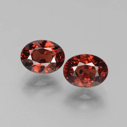 Red Pyrope Garnet Gem - 1.8ct Oval Facet (ID: 451790)