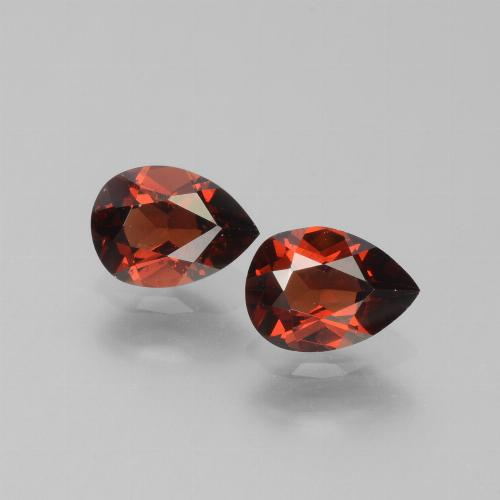 Medium Red Pyrope Garnet Gem - 0.9ct Pear Facet (ID: 453371)