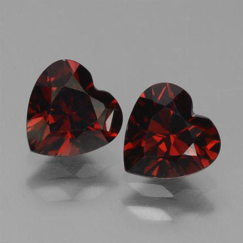 Blackish Red 镁铝榴石 Gem - 0.9ct 心形切面 (ID: 456393)