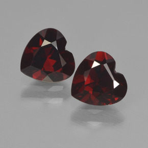 0.9ct Heart Facet Deep Red Pyrope Garnet Gem (ID: 456573)