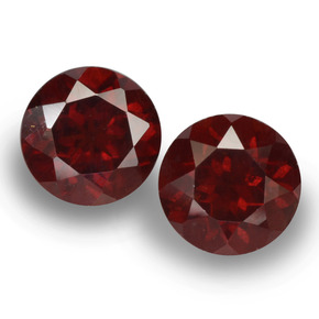 Dark Red Pyrope Garnet Gem - 1ct Round Facet (ID: 457555)