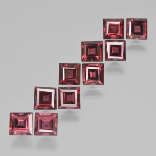 Dark Red Pyrope Garnet Gem - 0.5ct Square Step-Cut (ID: 464389)