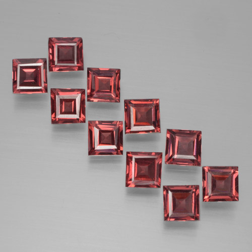 Deep Scarlet Red Pyrope Garnet Gem - 0.4ct Square Step-Cut (ID: 464458)