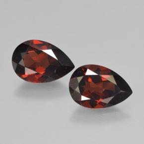 Blackish Red Granate Piropo Gema - 2ct Corte en forma de pera (ID: 465087)