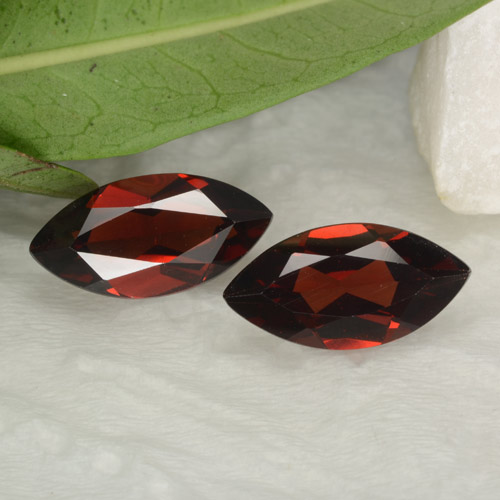 1.8ct Marquise Facet Deep Red Pyrope Garnet Gem (ID: 465844)