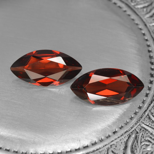 1.8ct Marquise facette Deep Blood Red Grenat Pyrope gemme (ID: 465851)
