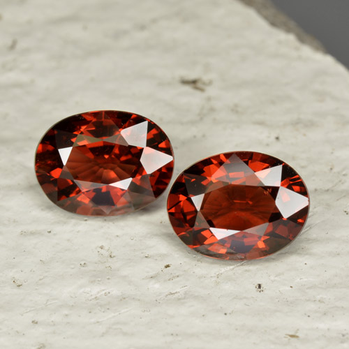 Red Pyrope Garnet Gem - 1.5ct Oval Facet (ID: 465950)