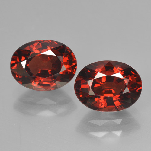 Deep Red Pyrope Garnet Gem - 1.8ct Oval Facet (ID: 466024)