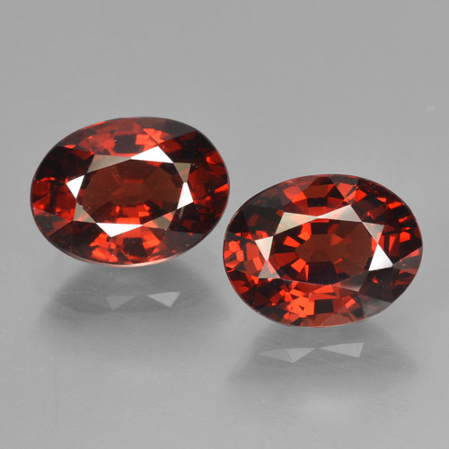 Red Pyrope Garnet Gem - 1.7ct Oval Facet (ID: 466025)
