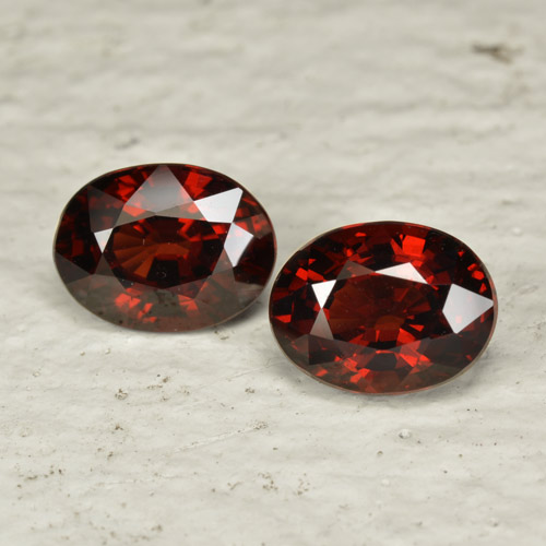 Red Pyrope Garnet Gem - 1.7ct Oval Facet (ID: 466033)