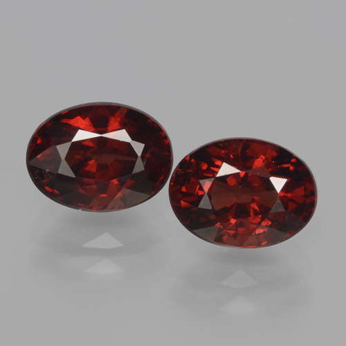 Dark Red Pyrope Garnet Gem - 1.9ct Oval Facet (ID: 466072)