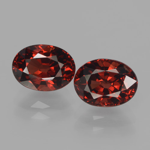 Red Pyrope Garnet Gem - 1.9ct Oval Facet (ID: 466076)