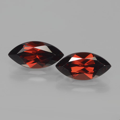 2.3ct Marquise facette Deep Blood Red Grenat Pyrope gemme (ID: 466123)