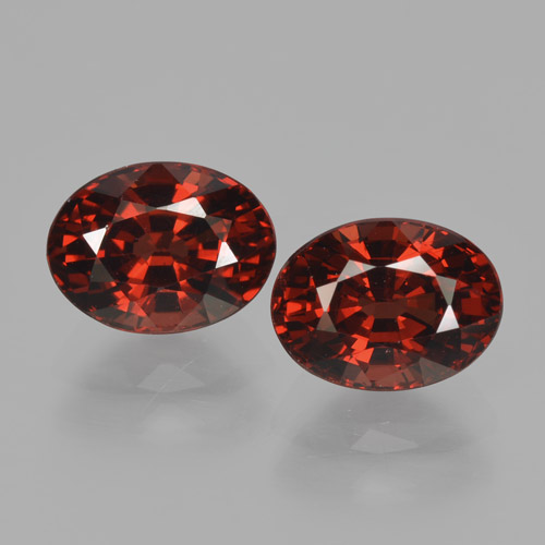 Red Pyrope Garnet Gem - 2ct Oval Facet (ID: 466147)