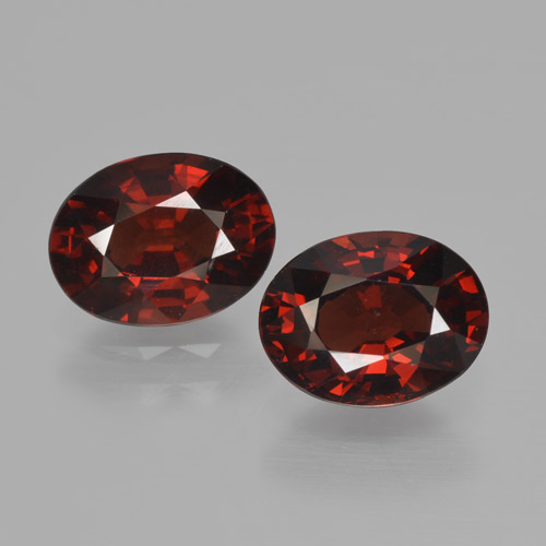 Red Pyrope Garnet Gem - 1.7ct Oval Facet (ID: 466177)