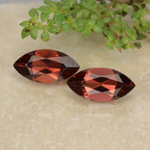 Deep Red Pyrope Garnet Gem - 1.1ct Marquise Facet (ID: 479472)