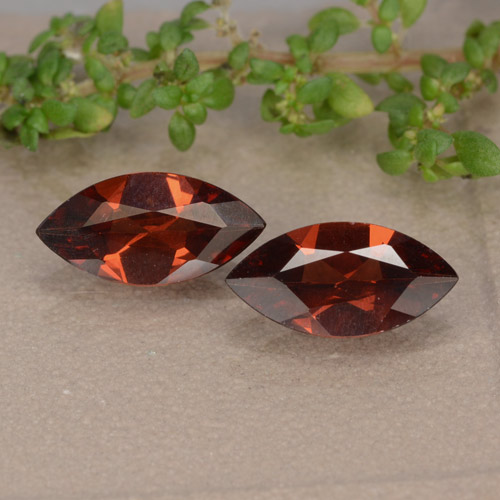 Dark Red Pyrope Garnet Gem - 1ct Marquise Facet (ID: 479566)