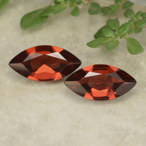 Dark Red Pyrope Garnet Gem - 0.9ct Marquise Facet (ID: 479623)