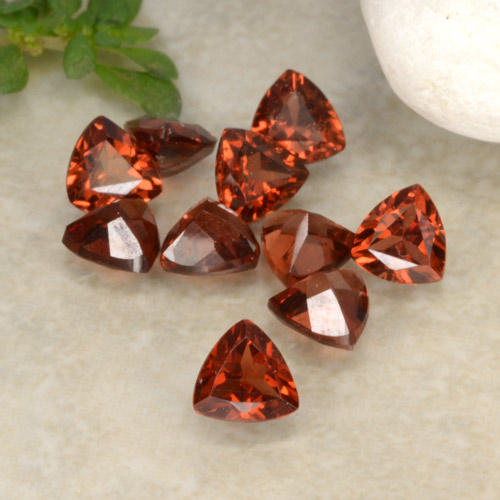 Red Pyrope Garnet Gem - 0.3ct Trillion Facet (ID: 479688)