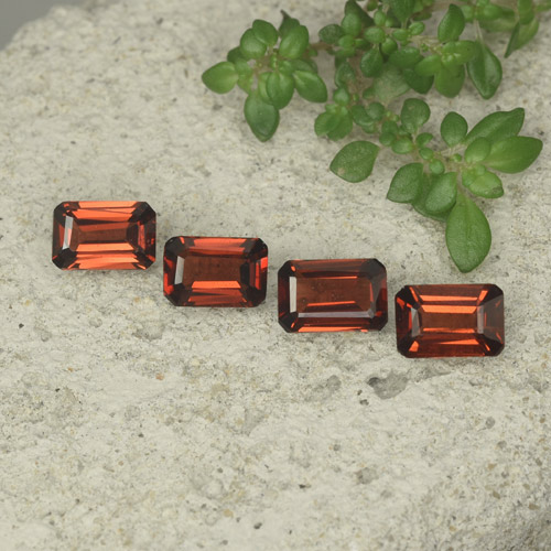 0.5ct Octagon Step Cut Medium Red Pyrope Garnet Gem (ID: 480713)