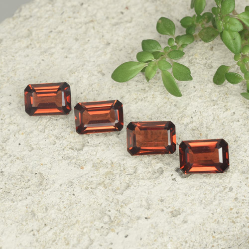 0.6ct Octagon Step Cut Sangria Red Pyrope Garnet Gem (ID: 480714)