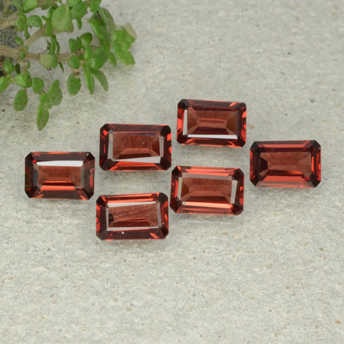 0.6ct Octagon Step Cut Deep Scarlet Red Pyrope Garnet Gem (ID: 480943)