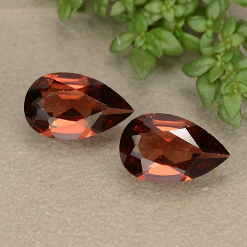 Red Pyrope Garnet Gem - 0.9ct Pear Facet (ID: 487777)