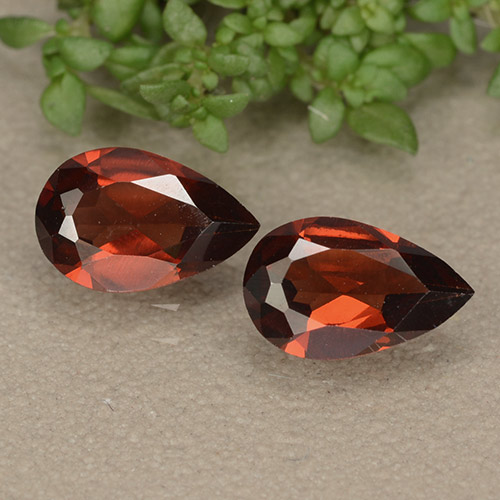 Sangria Red Pyrope Garnet Gem - 0.9ct Pear Facet (ID: 487784)
