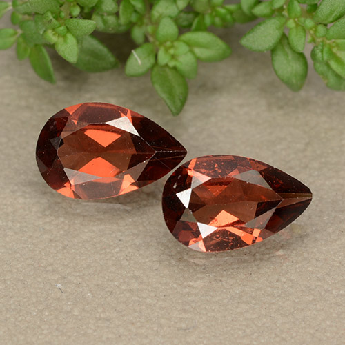 Red Pyrope Garnet Gem - 0.8ct Pear Facet (ID: 487872)