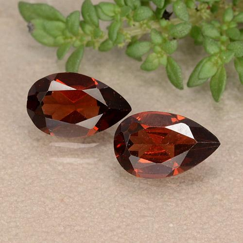 0.92 ct Pear Facet Deep Red Pyrope Garnet Gemstone 8.03 mm x 5.1 mm (Product ID: 488481)