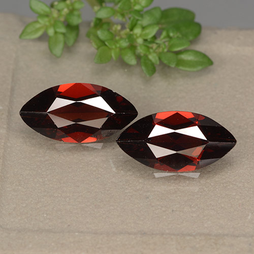 1.9ct Marquise Facet Dark Red Pyrope Garnet Gem (ID: 492043)
