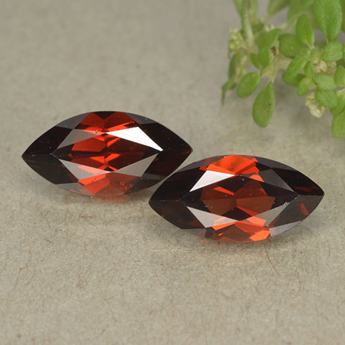 Deep Red Pyrope Garnet Gem - 1.4ct Marquise Facet (ID: 498308)