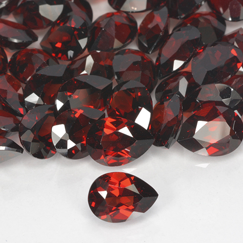 0.86 ct Corte en forma de pera Deep Blood Red Granate Piropo Piedra Preciosa 7.18 mm x 5.3 mm (ID del producto: 503908)