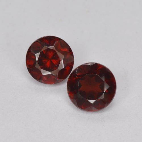 Deep Red Pyrope Garnet Gem - 0.3ct Round Facet (ID: 512418)