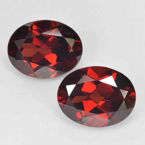 Deep Red Pyrope Garnet Gem - 2.1ct Oval Facet (ID: 520322)