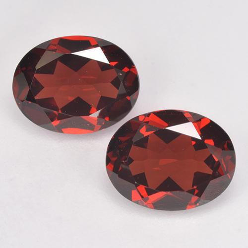 Deep Red Pyrope Garnet Gem - 2.2ct Oval Facet (ID: 520688)