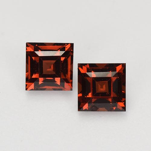 Merlot Red Pyrope Garnet Gem - 0.6ct Square Facet (ID: 527699)