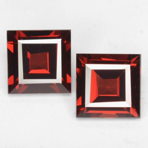 Deep Red Pyrope Garnet Gem - 2ct Square Facet (ID: 539006)