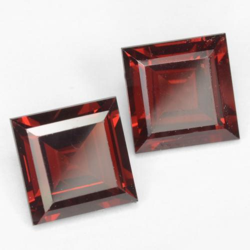 Deep Red Pyrope Garnet Gem - 2ct Square Facet (ID: 539009)