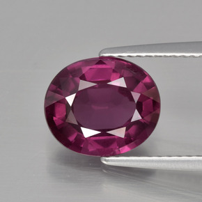 Buy 3.67 ct Raspberry Red Rhodolite Garnet 10.14 mm x 8.7 mm from GemSelect (Product ID: 399450)