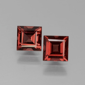 Pinkish Rose Rhodolite Garnet Gem - 0.9ct Square Facet (ID: 431051)
